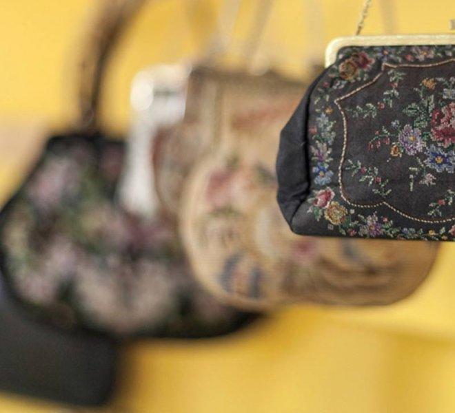 Gyöngyös táskák