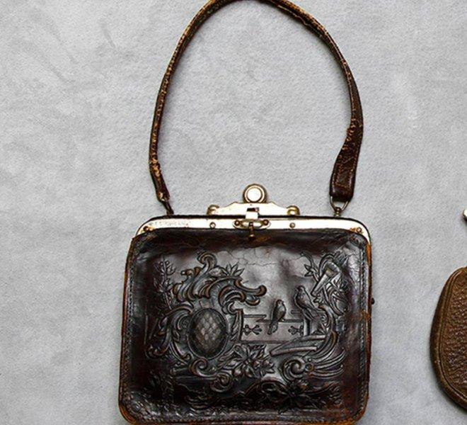 Bőr kézi táska